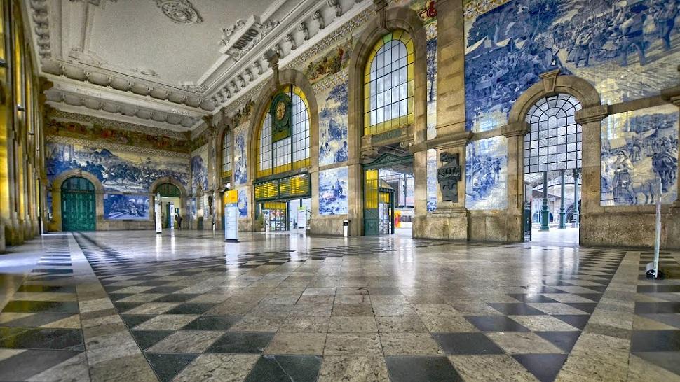 Sao Bento Train Station