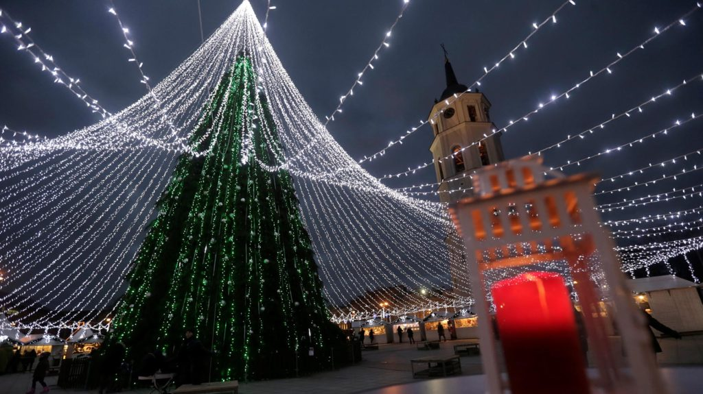 A general view of the Christmas tree in Vilnius, Lithuania, December 6, 2016. REUTERS/Ints Kalnins