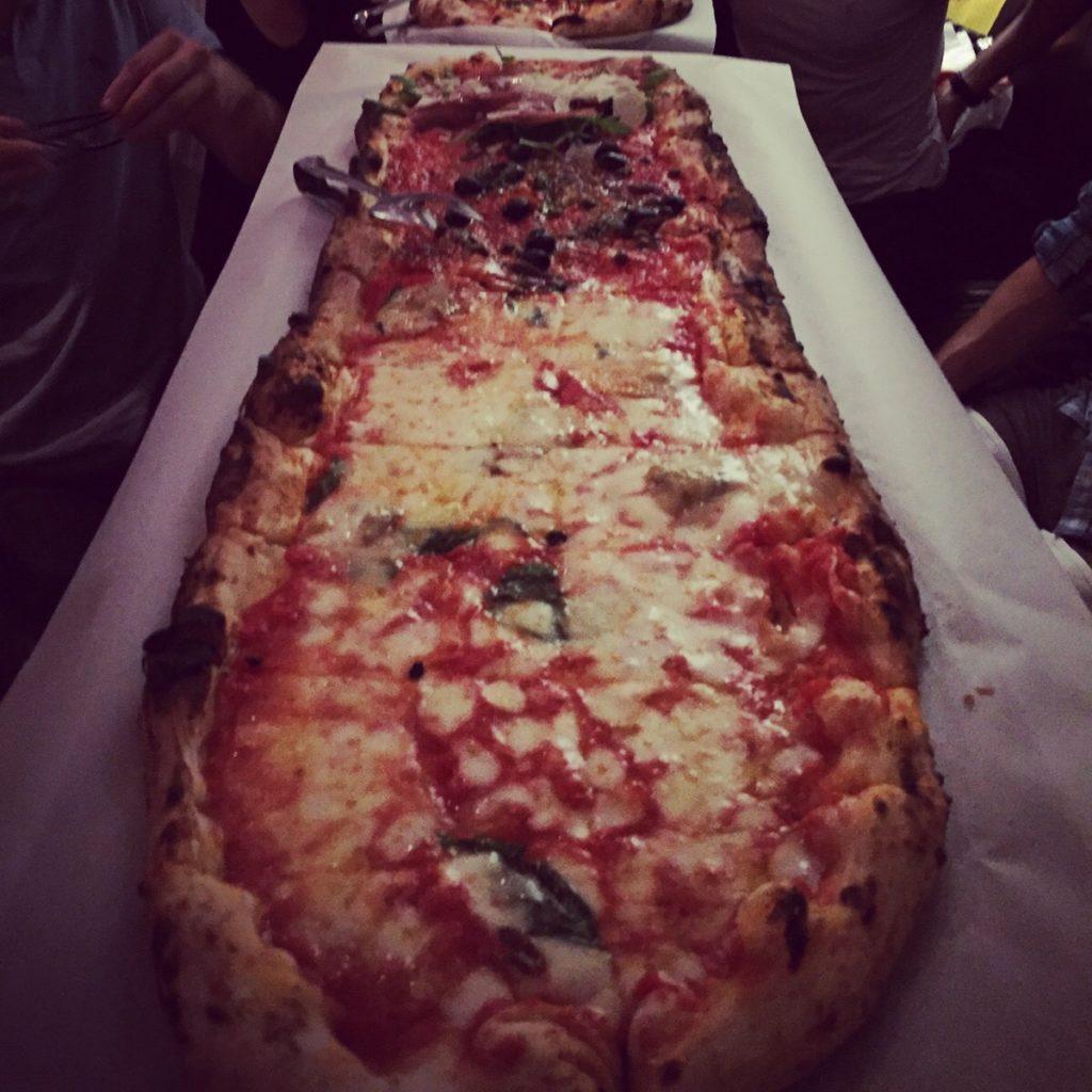 Santore's 1 meter pizza