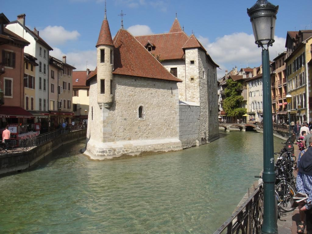 Annecy. The Palais de l'Isle and Thiou river