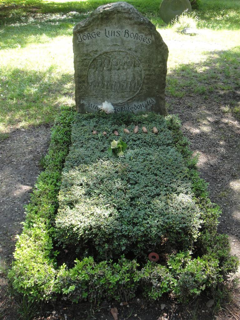 Jorge Luis Borges grave