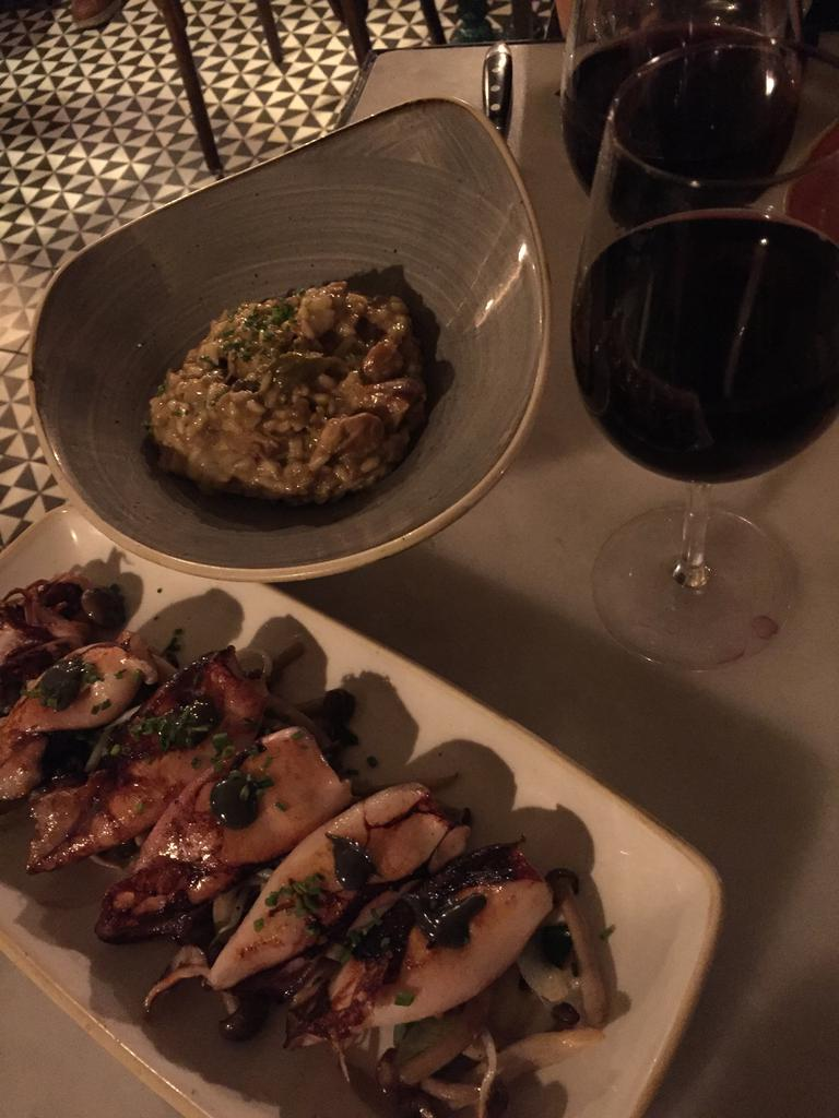 Tantarantana. Grilled squid and risotto